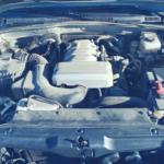 猫が入りやすい車のエンジンルーム